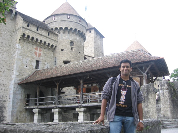 The only snap of mine near the castle. But eyes closed ! :(